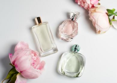 パルファムやコロンの違いって?香水の名称やマナーを知ろう