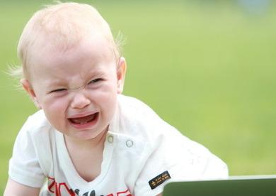 赤ちゃんの夜泣きはいつから?いつまで続くの?原因と対策
